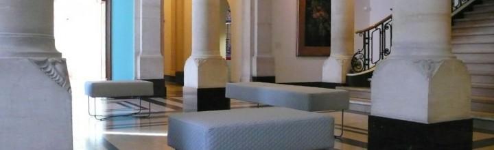 INPLUS heeft bankjes ontworpen voor Museum De Lakenhal te Leiden
